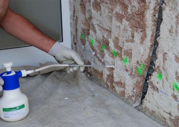 Barriere antisale per per asciugare e risanare una muratura umida