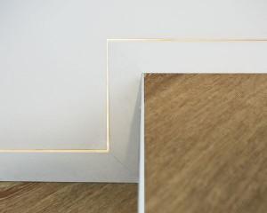 Battiscopa filo muro: una soluzione elegante e moderna che elimina le sporgenze