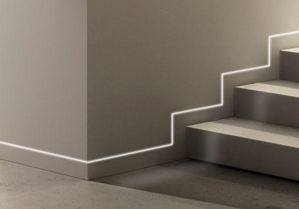 Battiscopa filo muro con Led di Eclisse: una soluzione elegante e moderna che elimina le sporgenze