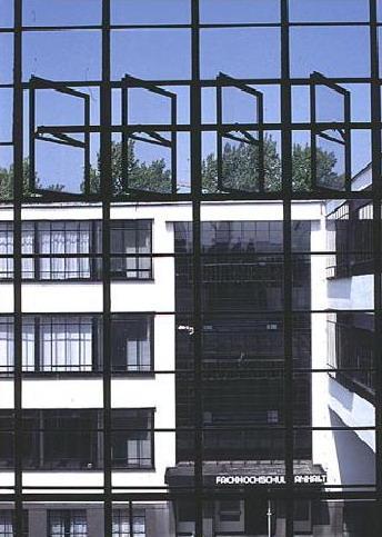 Bauhaus - Dessau, 1925, dettaglio della vetrata
