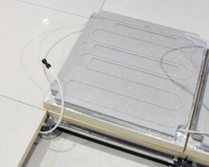 Calidus AD, il pavimento sopraelevato con sistema di riscaldamento radiante applicato
