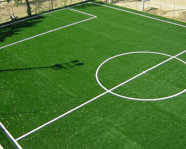 L'erba sintetica professionale è pensata per grandi superfici come ad esempio quelle sportive.