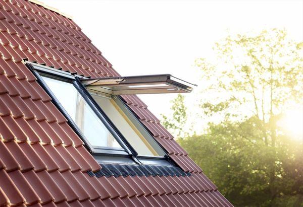 Luce da tetto illuminazione naturale con tunnel solare for Roto finestre da tetto