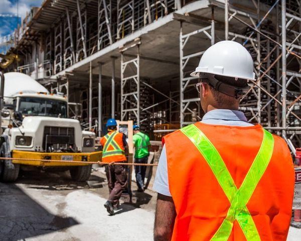 In lenta ripresa il settore dell'edilizia