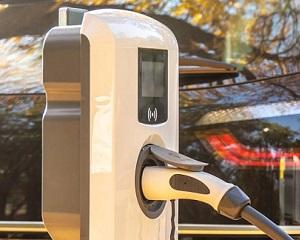 Colonnina di ricarica per auto elettriche EVE MINI