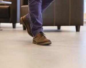 Pavimento in resina MasterTop 1327-20dB per ridurre il rumore di calpestio
