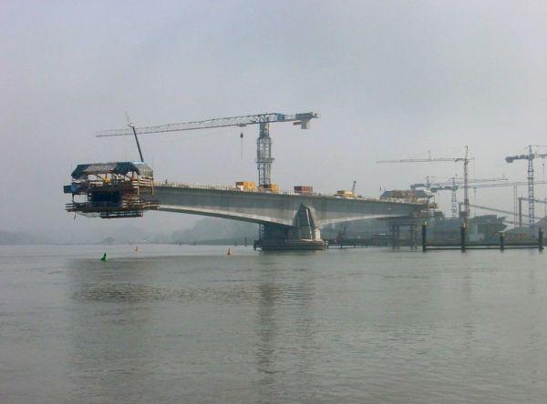 Costruzione di un ponte a sbalzo