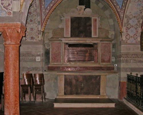 La cripta prima e dopo i lavori