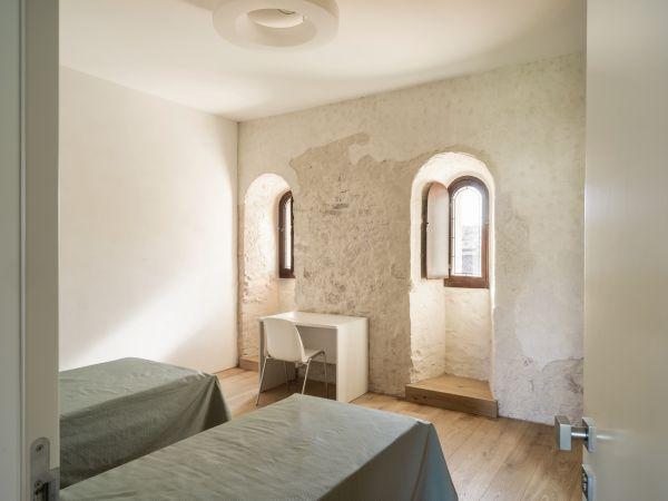 Una delle camere della nuova Foresteria Santa Maria a Treviso