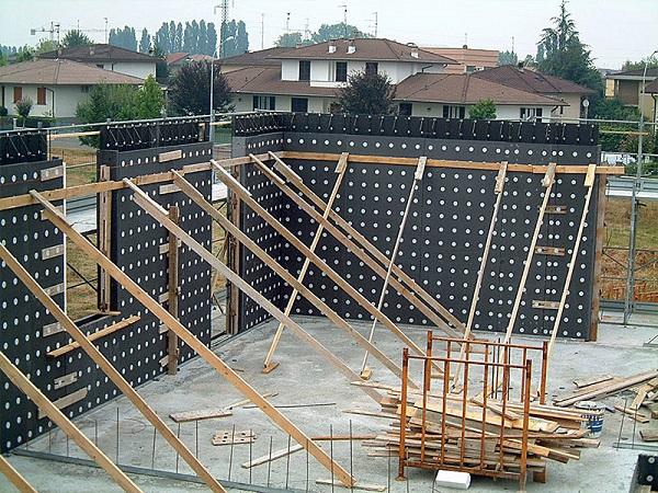 Costruire con elementi prefabbricati