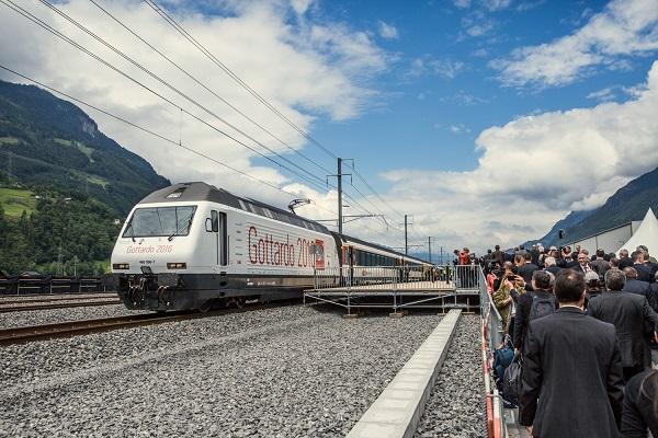 Viaggio di inaugurazione del tunnel del San Gottardo