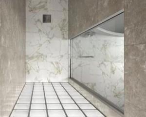 Essential Doccia, al Fuorisalone la porta scorrevole interno muro per box doccia