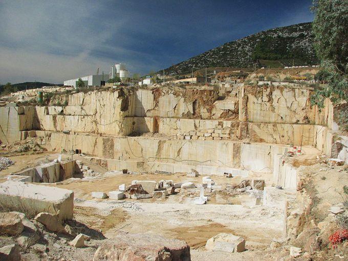 estrazione marmo Orosei