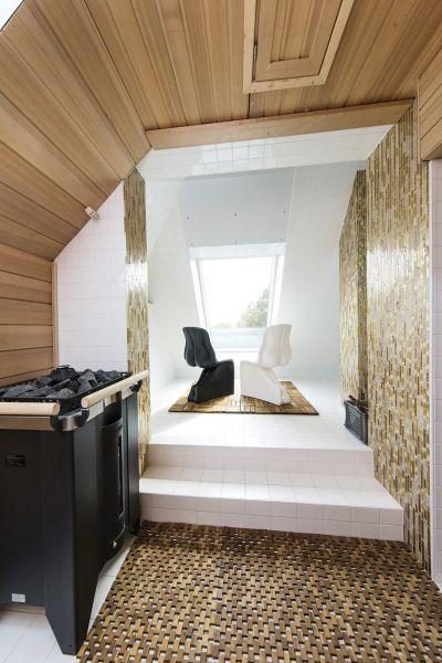 Villa viennese con finestre fakro for Finestre fakro