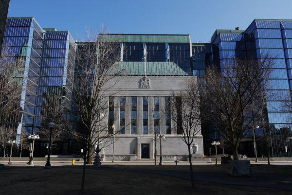 Facciatismo e architettura: Bank of Canada, Ottawa, Canada