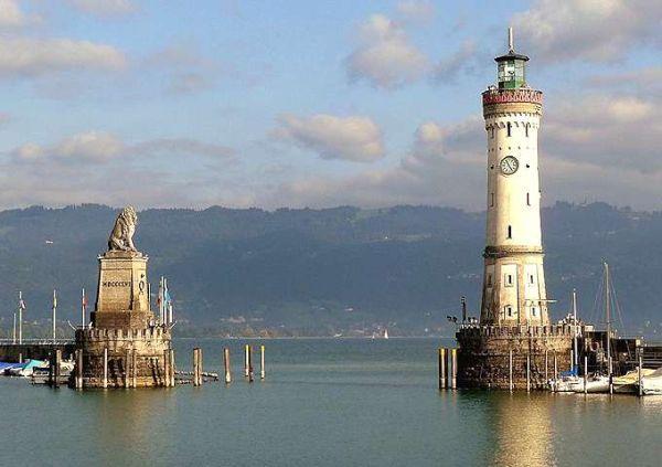 Il faro di Lindau si trova sul lago di Costanza ed è tutt'oggi visitabile.