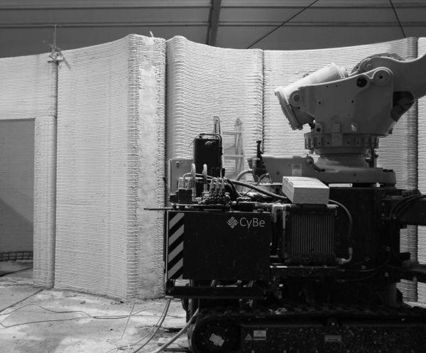 Fase di realizzazione delle pareti in calcestruzzo con macchine e stampanti 3D