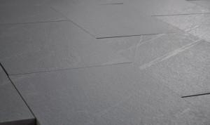 L'effetto della spazzolatura su un pavimento in Pietra del Cardoso