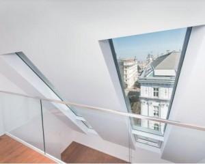 Vienna: attici inondati di luce grazie alle finestre Fakro