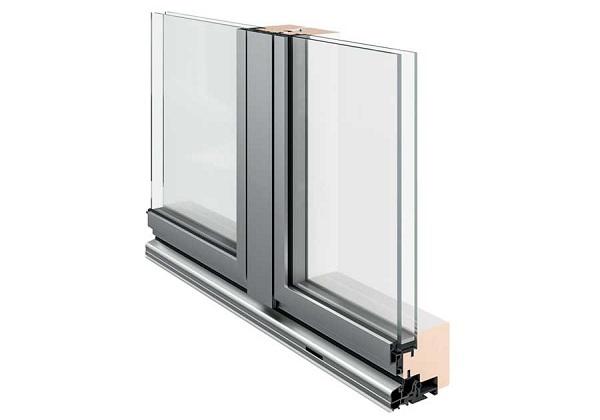 Finestra in vetro e alluminio