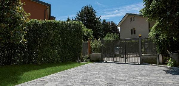 Pavimentazione esterna con sistema modulare Firenze