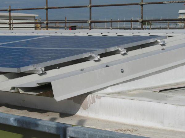 Impianto a pannelli fotovoltaici in copertura