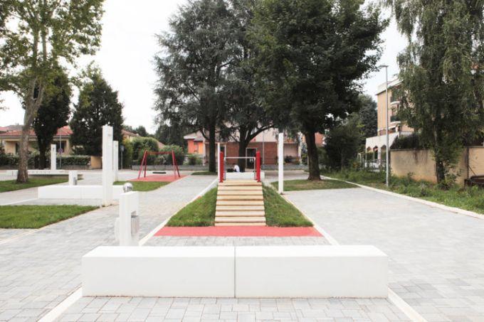 L'area gioco della nuova piazza-giardino di Garbagnate Milanese