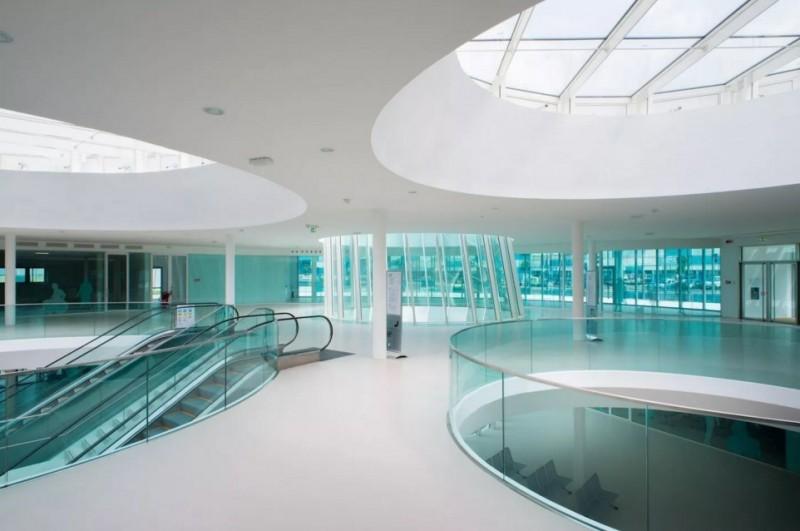Visuale generica della hall dell'ospedale del Mare