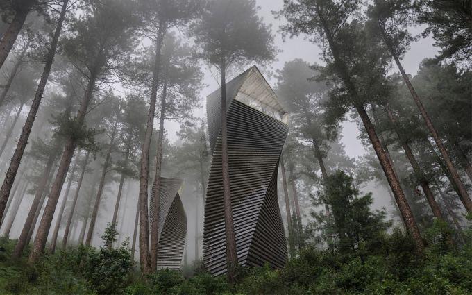 Helix House, una casa albero a spirale immersa nella natura