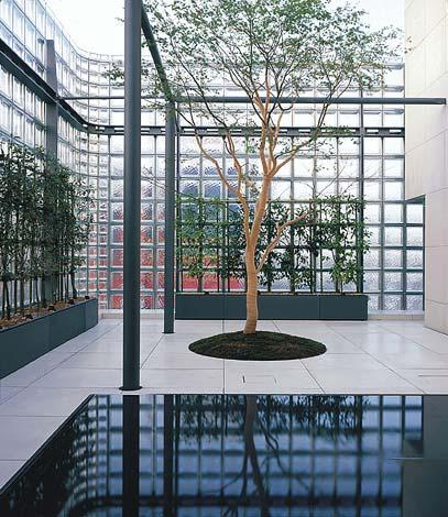 Maison Hermes a Tokyo by Renzo Piano. L'interno