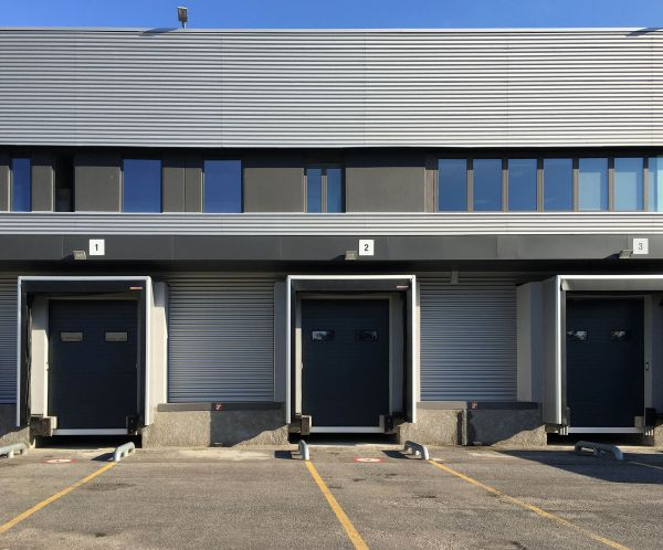 Portoni Hörmann per la logistica scelti dalla sede operativa di Domino's Pizza a Buccinasco