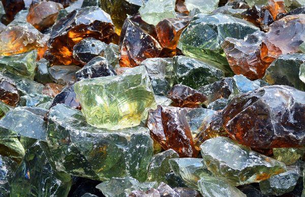 I vantaggi di riciclare il vetro