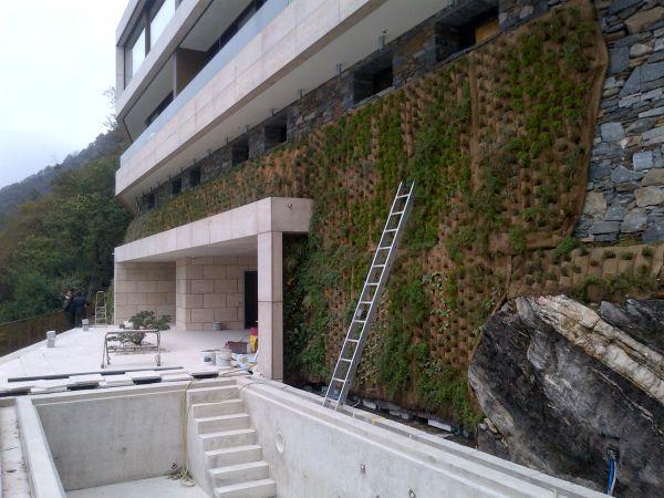 Inverdimento fondazioni dell'edificio ad Ascona