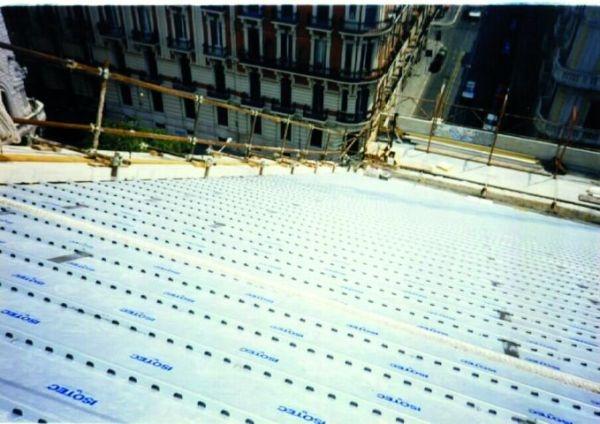 Isotec di Brianza Plastica per la copertura del Teatro Petruzzelli di Bari