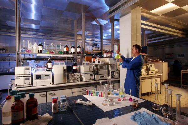 L'impegno di Mapei in R&S: laboratori all'avanguardia e collaborazione con l'Università