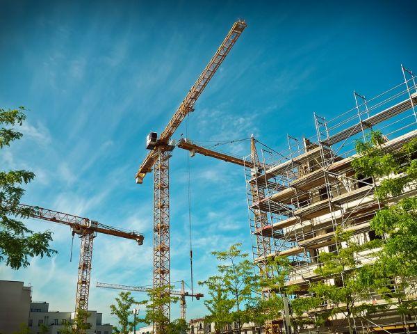 Lavori in quota e sicurezza: dai ponteggi all'edilizia acrobatica