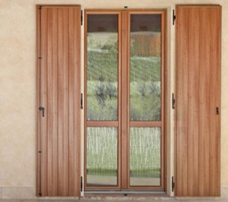 Serramenti per esterni finestre porte portoni cancelli for Infissi esterni in legno