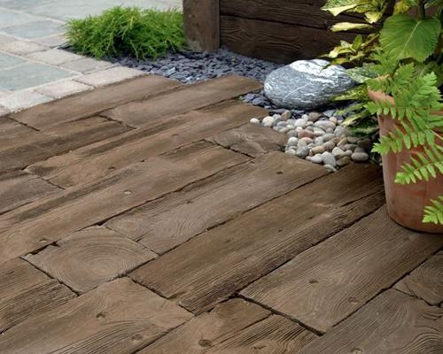 Le pavimentazioni adatte per il giardino - Pavimentazione giardino in legno ...