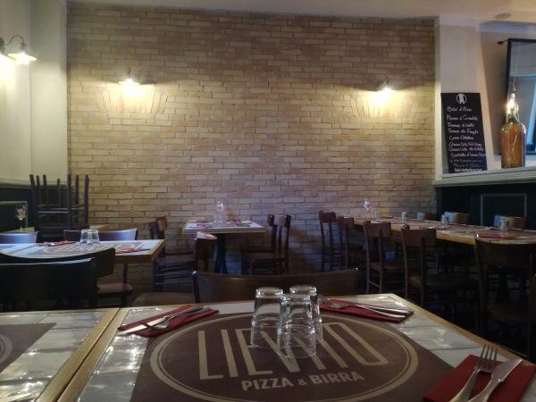 SanMarco: listelli sottili Decor nella finitura Antico Duettoper la Pizzeria Lievito a Roma