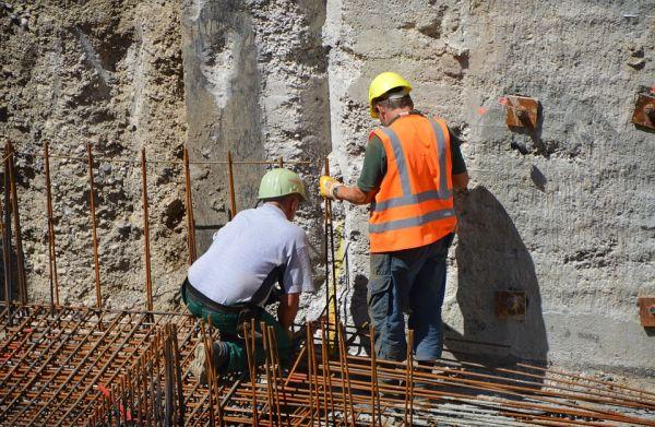 Cantiere edile, DPI e segnaletica di sicurezza