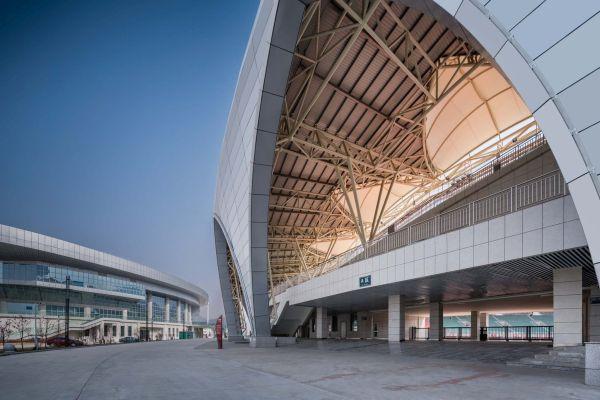 Un particolare degli ingressi della struttura Linxia  Olympic Sports Center Stadium