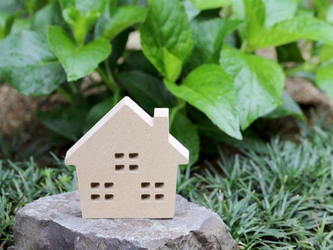 Costruire una casa in campagna, attenzione alla luce e al comfort