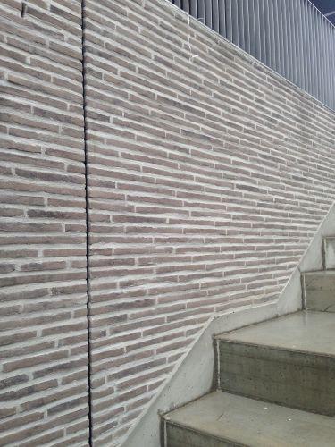 mattoni SanMarco della linea MAAX per il rivestimento della scuola di Caslano