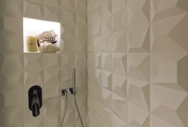 Milano Abita: le piastrelle 3D in gres nel bagno del nuovo monolocale zona Medaglie d'Oro a Milano