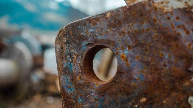 Metalli: Come intervenire in presenza di ruggine e corrosione