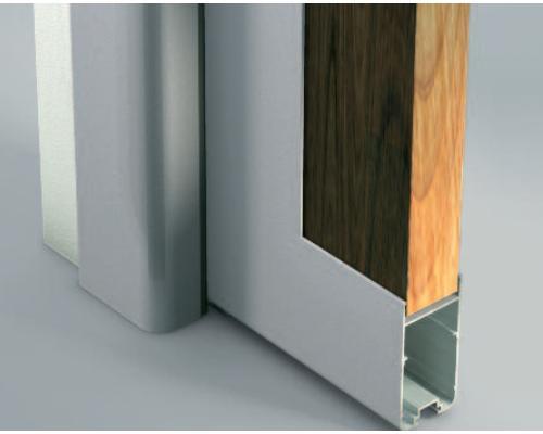 Porta scorrevole ad incasso nella muratura o esterna alla muratura.