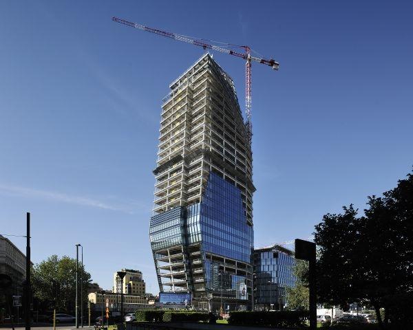 Costruzione della Torre Diamante di Milano