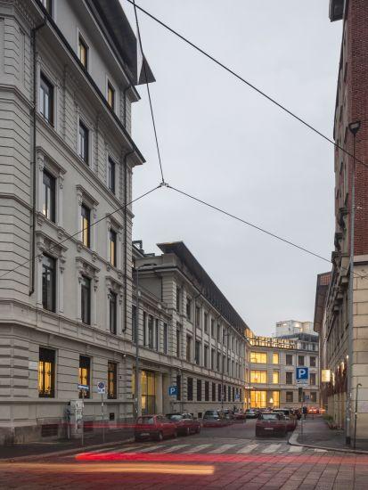 L'edificio dell'ex Tibb di piazzale Lodi a Milano