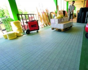 Pavimentazione in plastica flessibile modulare per esterni
