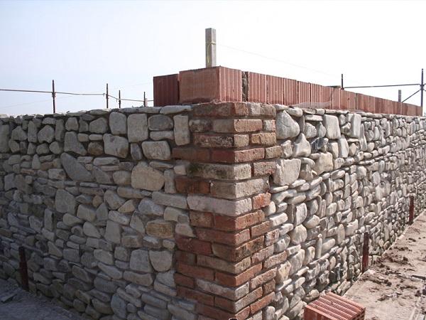 Realizzazione volume in muratura armata POROTON®